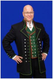 En mannsbunad fra Hardanger som har svært mange likhetstrekk med en kaperskipper uniform fra Jamaica på 1600 tallet.