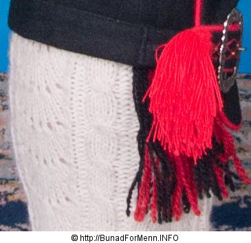 De håndbroderte linskjortene er brodert på krage og mansjett i klassiske hvitsøm mønster også kalt «Fransk Broderi». Vi pleier å si at linskjorter er varme om vinteren og svale om sommeren.