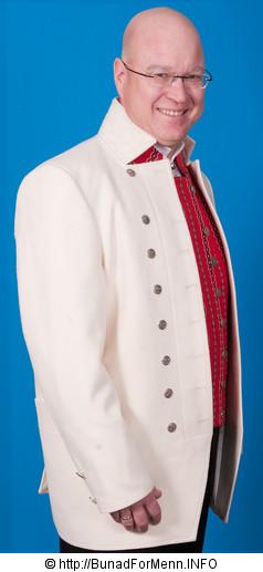 Jakken til mannsbunad fra Gauldal er laget av hvit klede av aller beste kvalitet, mens den tradisjonelle mannsbunaden fra Gauldalen er laget av svart klede. Jakkene har silkefor innvendig.